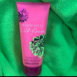 🌸Limited Edition 🌸Bombshell Wildflower by VS